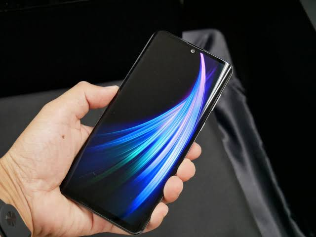 Sharp Aquos Zero 2 display