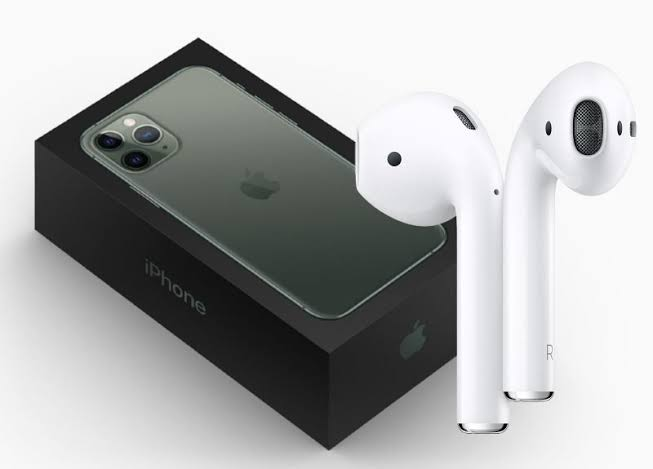 Will Next year iPhones come with Apple Airpods Pro